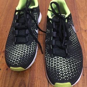 Nike Free 3.0 in black and green